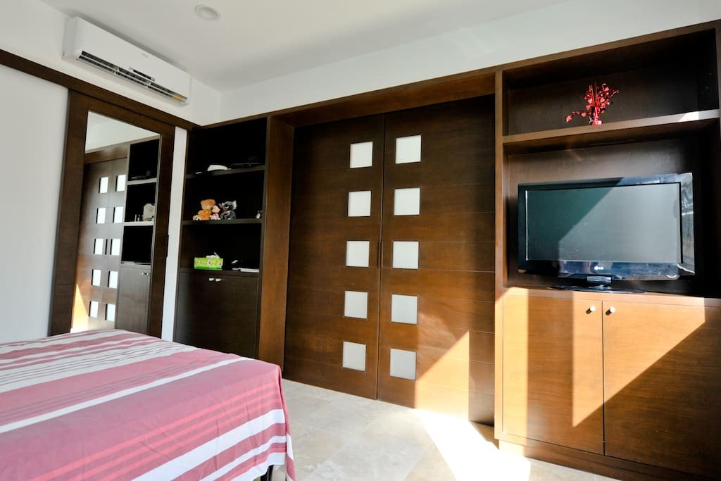 A/C, Closet and Flat screen with cable  tv in all bedrooms