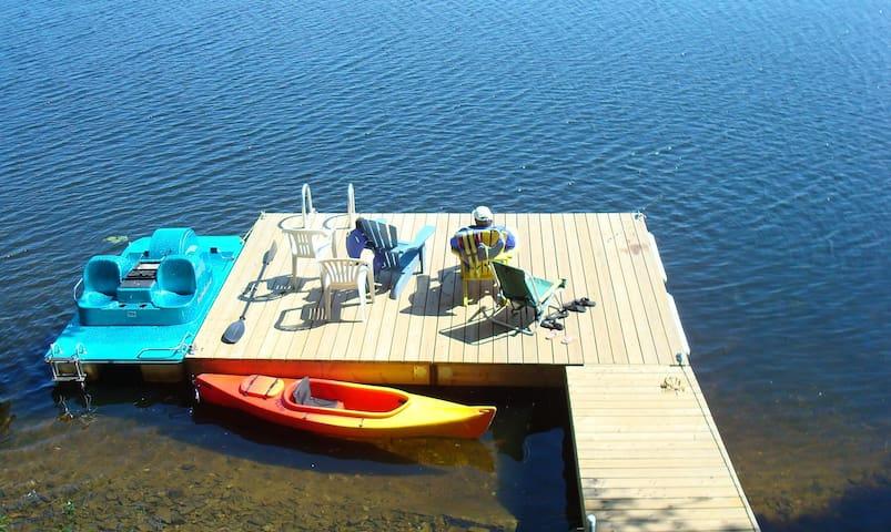 Spectacular Cordova Lake Waterfront