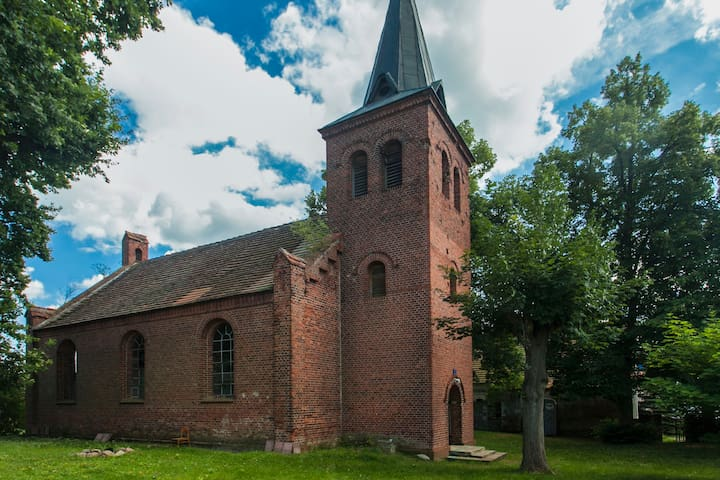 holiday in prussian village church - Havelsee - Loft