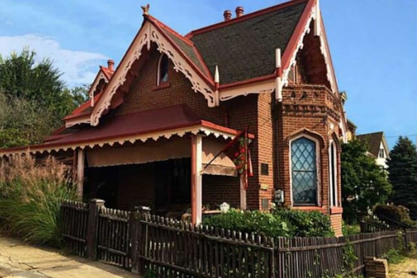 Historic Landmark Heathside Cottage - Houses for Rent in Pittsburgh ...