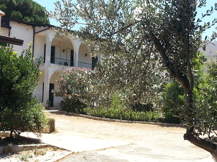 Flat in a Sicilian farm close to Palermo free wifi