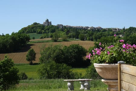 Room with spa, sauna, tv/wifi view! - Castelnau-Montratier - Bed & Breakfast