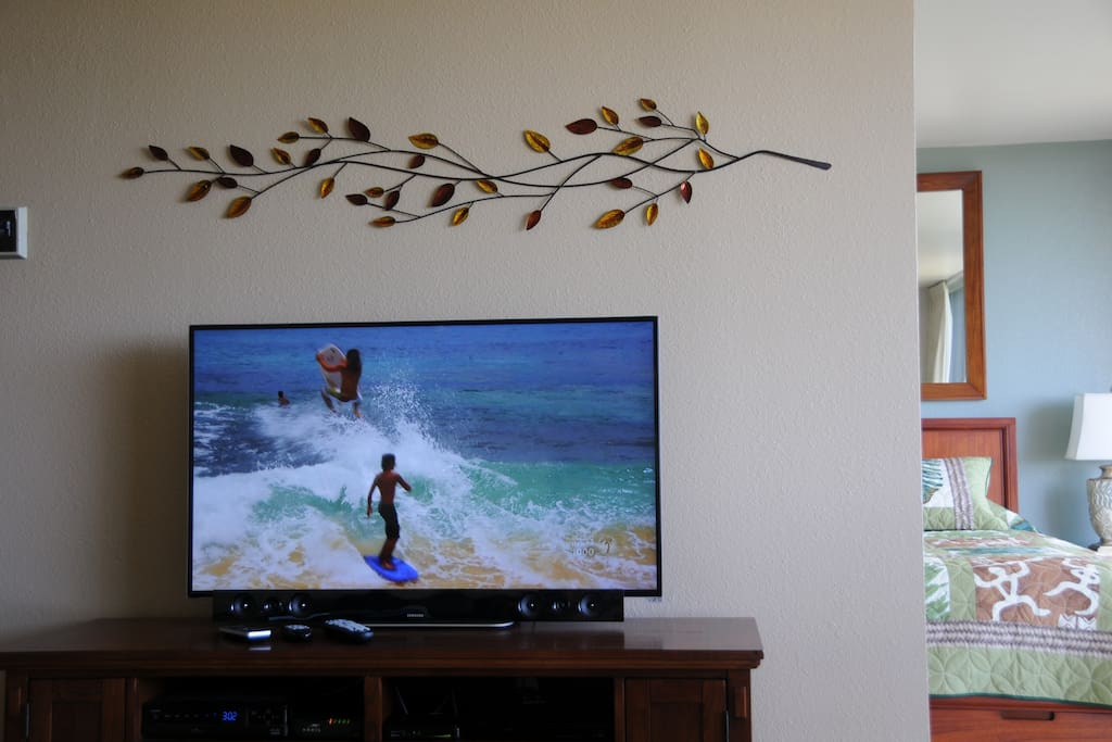 47-in HD TV with Cable&Bluetooth