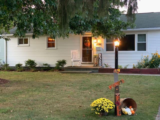 HOF home(2 miles),Great neighborhood, Family home