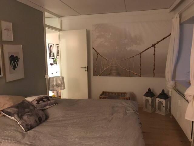 Lækker lys lejlighed på 110 m2