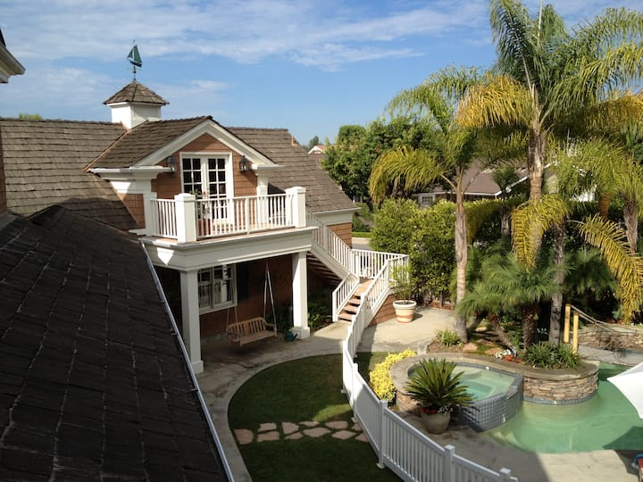 Gorgeous Private Carriage House Flat Newport Beach