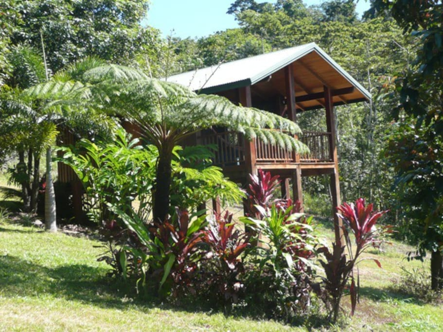 Chalet one chalets for rent in diwan queensland australia for Diwan queensland