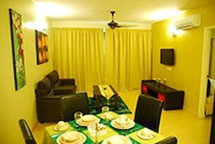 CRAZY OFFER HOLIDAY APARTMENT - Alor Gajah - Apartamento