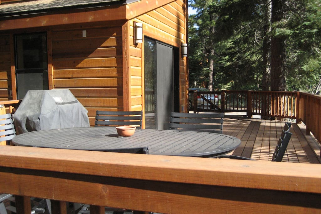 Deck with Gas Barbeque