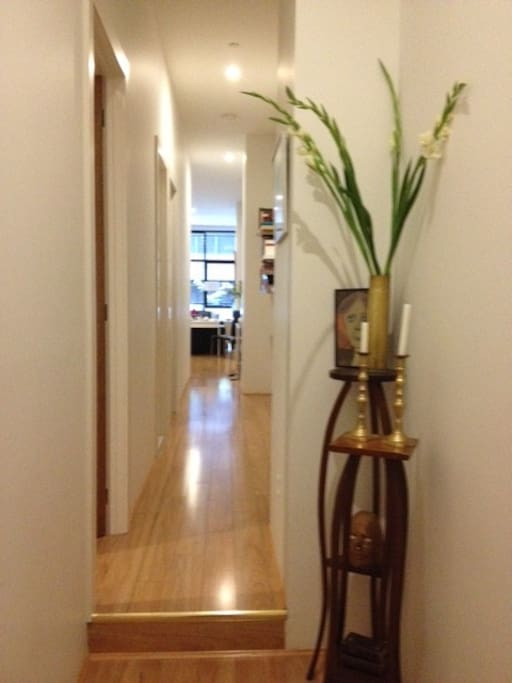 The 10 feet high ceilings give a sense of spacial elegance unlike many other apartments in the Melbourne CBD.