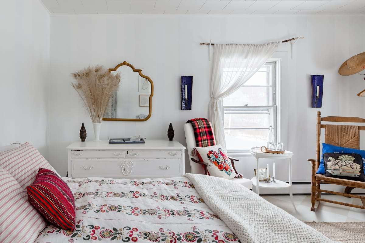 Peaceful and Sunny Rooms in Nineteenth Century Farmhouse