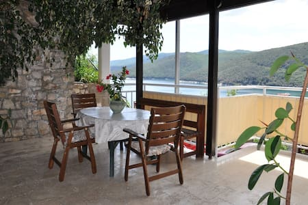 1 BDR app with sea view - Rabac - 公寓