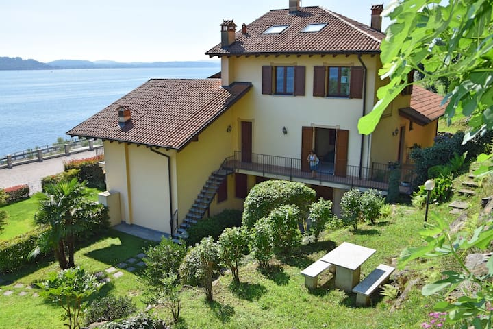 Wonderful apartment with a breath-taking view. - Stresa - Pis