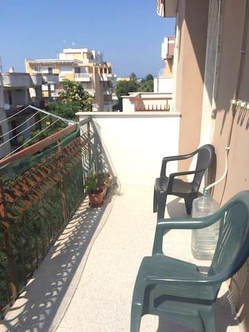 Hübsche Fewo mit Meerblick & Balkon