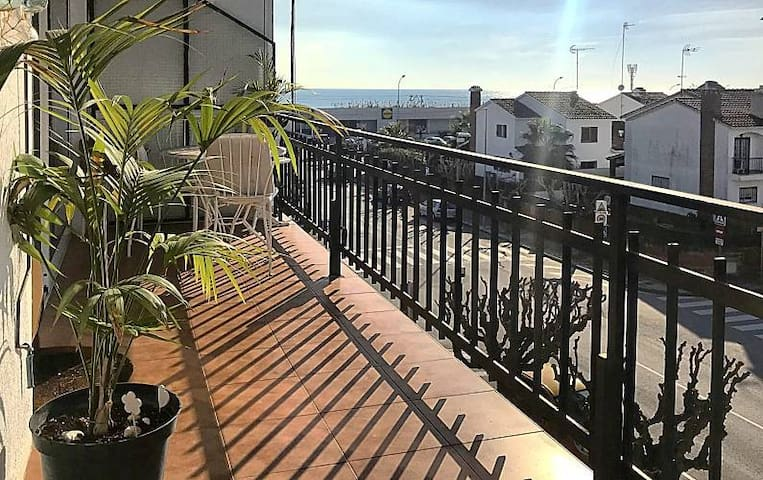 Cozy Apartment Next to Barcelona, short/long Stay