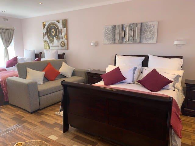 Thokomala Guesthouse - Family-Suite