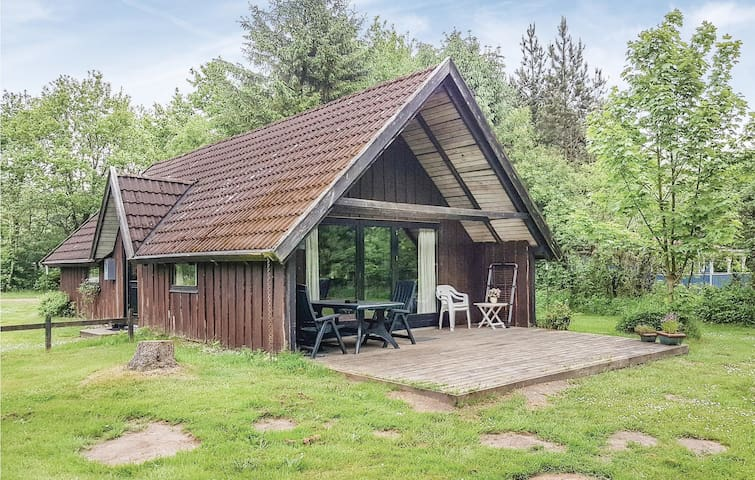 Holiday cottage with 2 bedrooms on 92m² in Toftlund