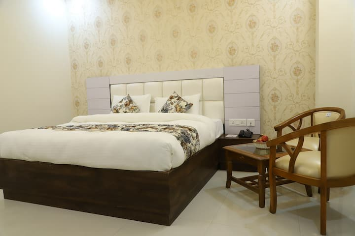Superior Double Room with breakfast, Greater Noida