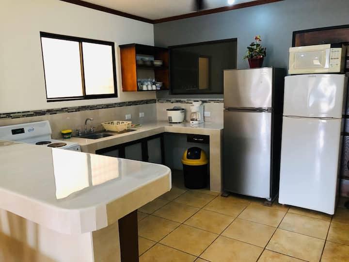 Casa 900 hermosa y acogedora, en condominio.