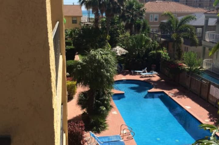 2 Bedrm 2 Bth Pool Oasis Steps Away from the Beach