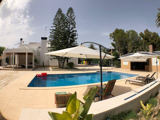 Nice modern style villa