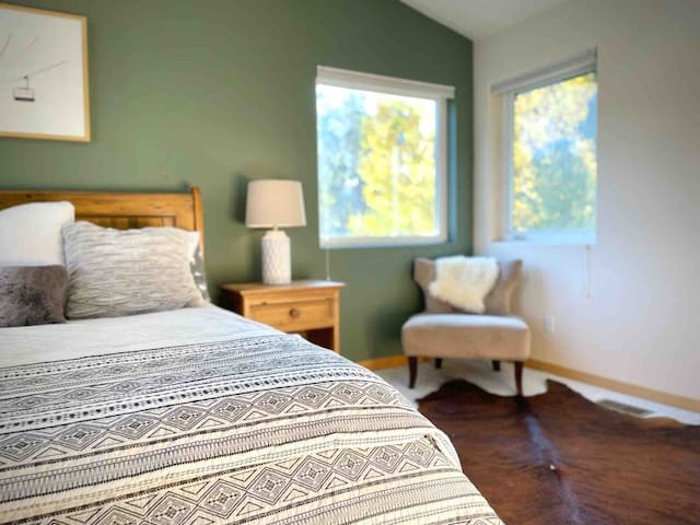 First bedroom with King bed
