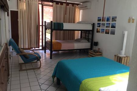Spacious Private room for 4 - Playa del Carmen - House