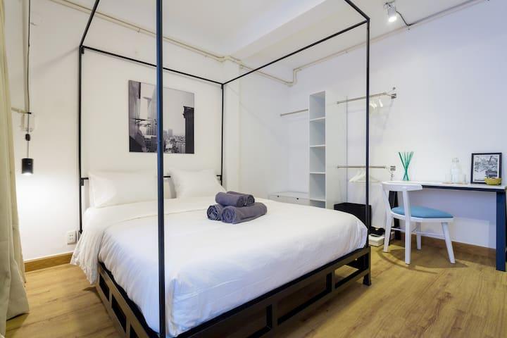 (2A) Center Studio With Balcony - Ho Chi Minh City - Hus