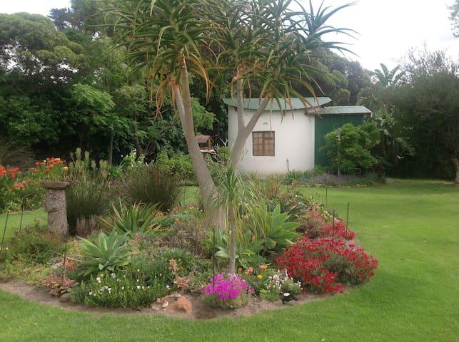 Cottage/rondawel at the Reservoir