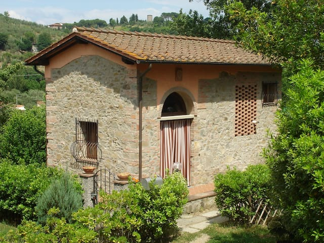 Hayloft in historical Villa of 1300 - Lastra a Signa - Willa