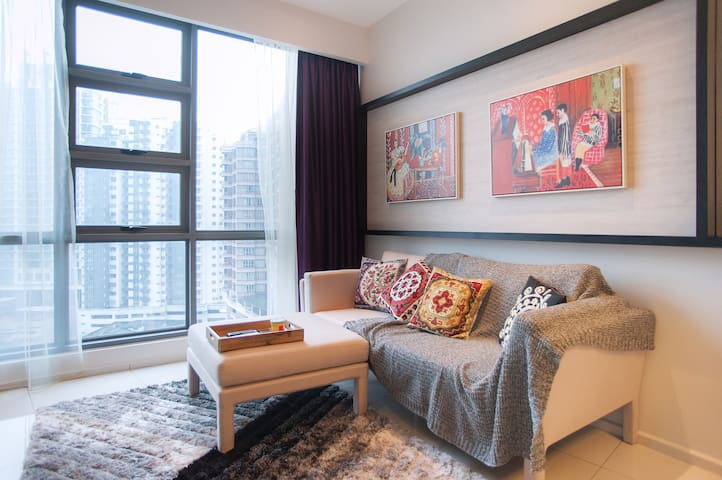 French-Style Stay near KLCC & China Town + Wi-Fi