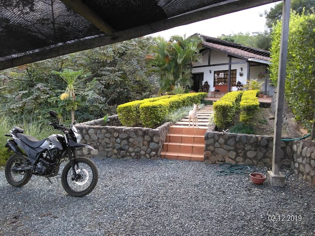 Casa Guacharaca, La Buitrera, Cali