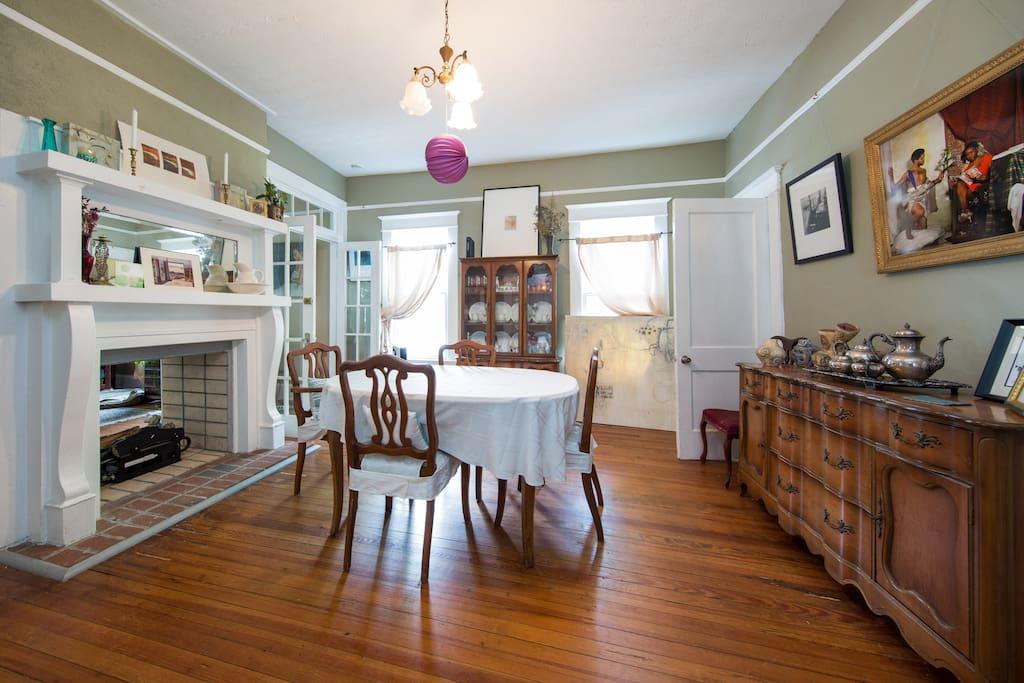 Charming Craftsman Home In Candler Park