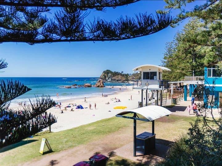 Location Location - Flynns Beach