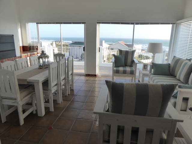 Seaview Villa - 4* Self Catering - Yzerfontein