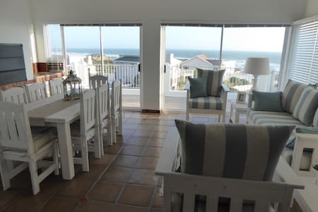 Seaview Villa - 4* Self Catering - Yzerfontein - Hus