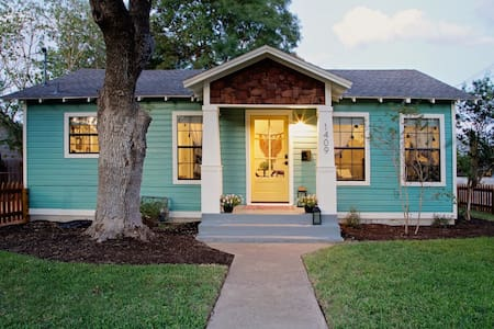Boho Bungalow in Old Town