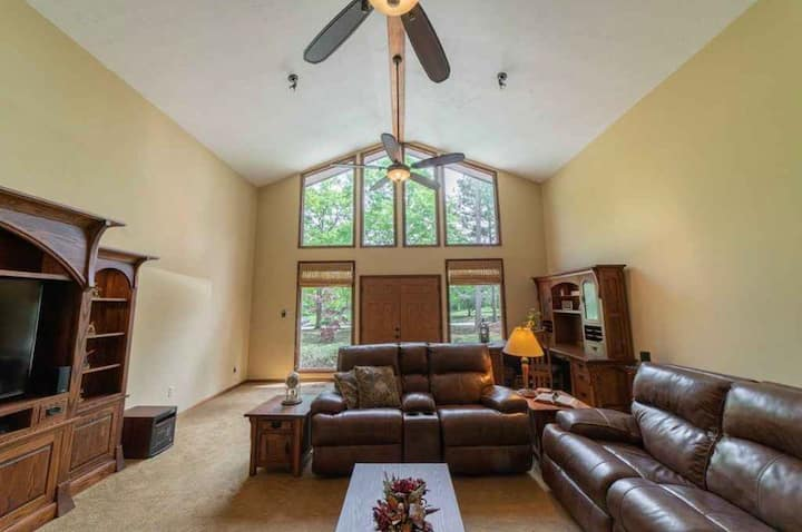 Comfy Pine Mountain Home Near Local Attractions