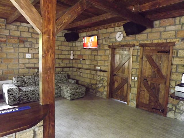 Дом для весёлых вечеринок. - Mykolaiv - Casa