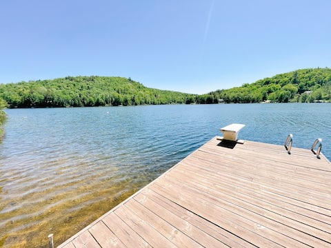 Waterfront Chalet Close to Mont Tremblant