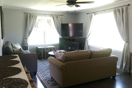 Modern Cozy Home w/ Fabulous View! - Casa