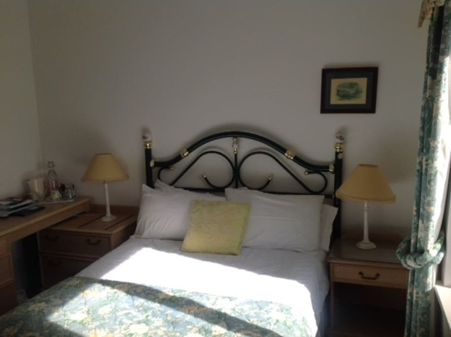Ensuite room with double bed
