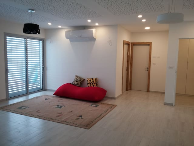 A beautiful modern well kept apart - Kiryat Tiv'on - Apartamento