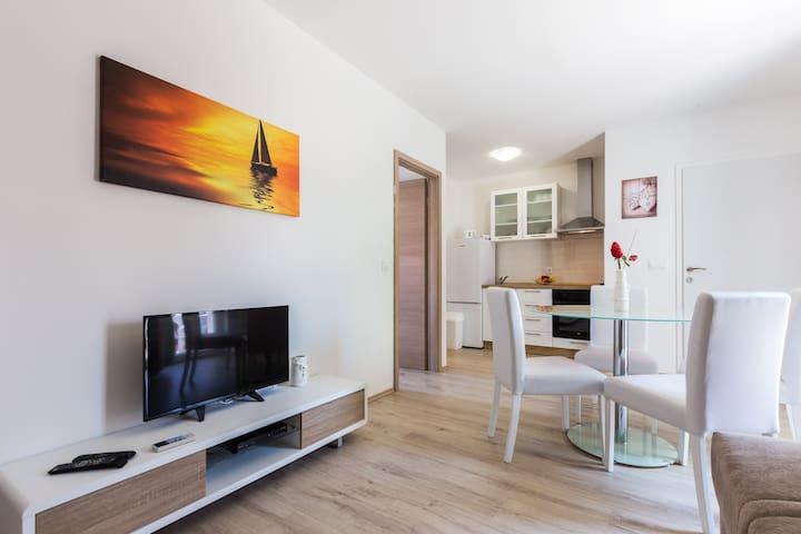 apartments LONGIN-LEONA-Zadar/Kali/otok Ugljan