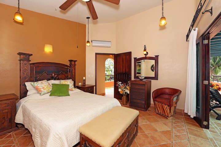Oceanview 4BR Platanitos Hacienda-Style Villa - Mesa de Platanitos - Villa
