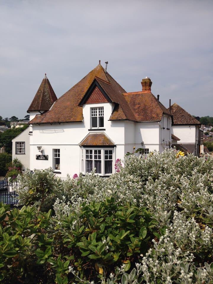 Lyme Regis renovated seaside flat