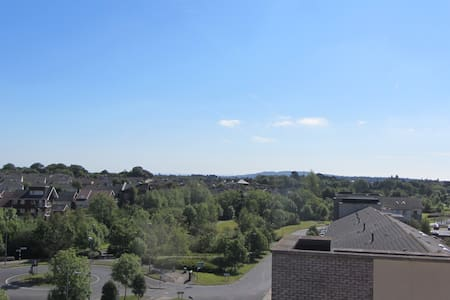 Bright and modern apartment with Dublin Mountains, Killiney hill and even some sea view ;) Nice, quiet and green neighborhood but at the same time within 15 min walking distance to Luas (tram) Green Line (Glencairne stop – 25min from Stephens Green)