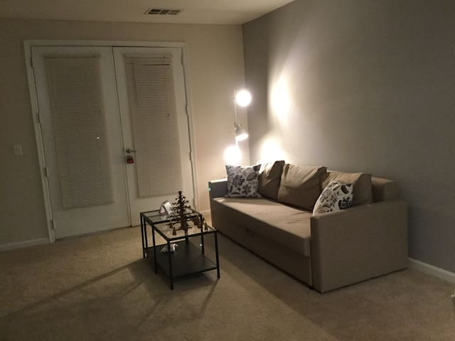 A Charming cozy Apartment - Rockville - Apartamento