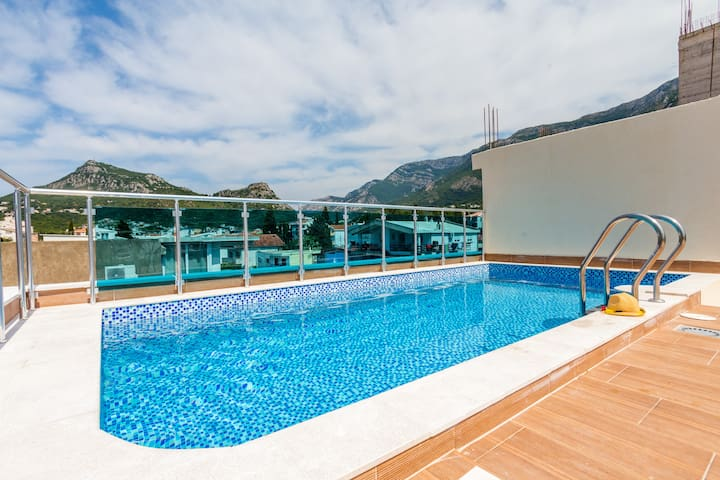 1BDR Apartment With Swimming Pool For 4 people