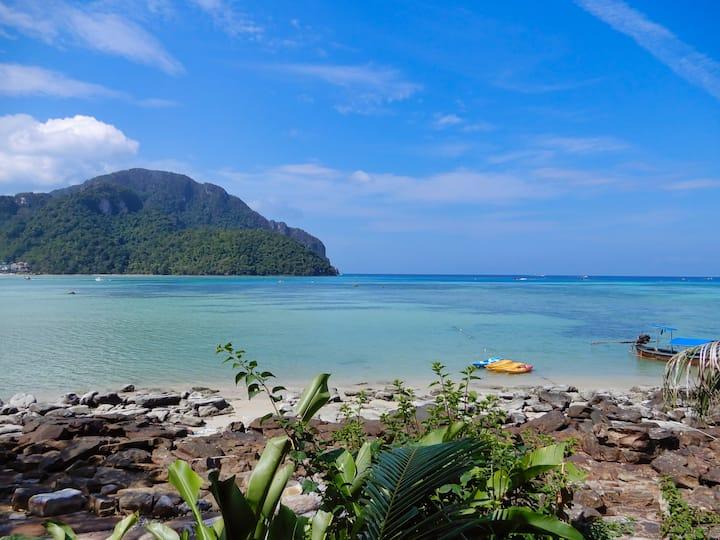 Wonderful Seafront Bungalow on Phi Phi!